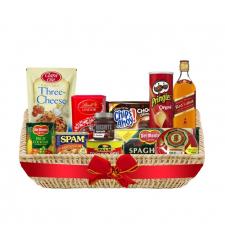 Christmas Basket - Yuletide Reward Deluxe Basket