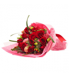 send a dozen romantic red roses to davao